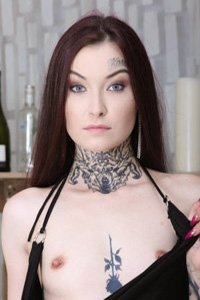 LoveWetting - Tabitha Poison